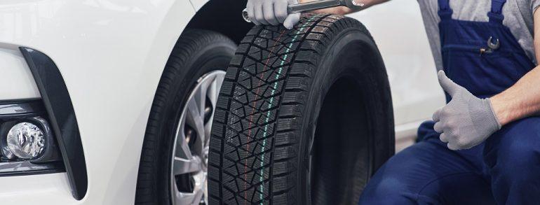 Dónde colocar los neumáticos nuevos: ¿Van delante o detrás?